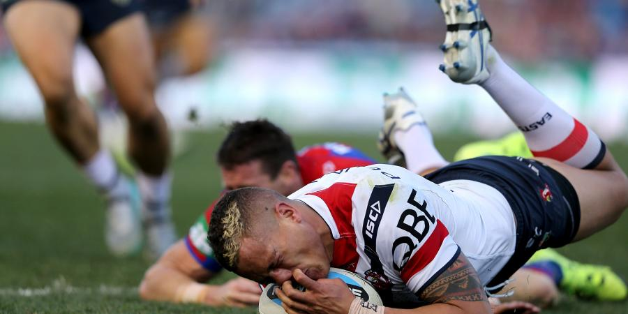 Roosters hold off fast-finishing Knights