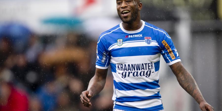 Glory sign Dutch striker Fernandez