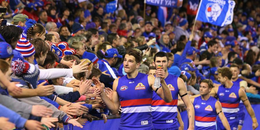 Bulldogs stay on target for AFL top four