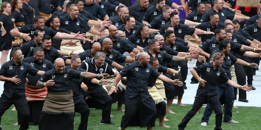 Lomu's friends and family say goodbye