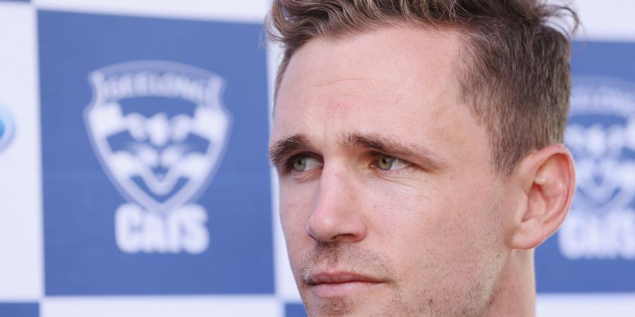 Selwood grounded with injury