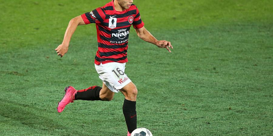 Sotirio re-signs with Wanderers