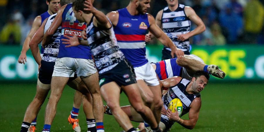 Bulldogs unbowed by AFL record at Geelong