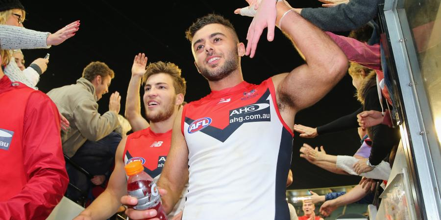 Christian Salem re-signs with Melbourne