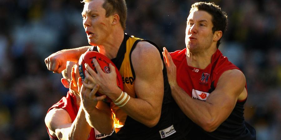 No Frawley vs J.Riewoldt