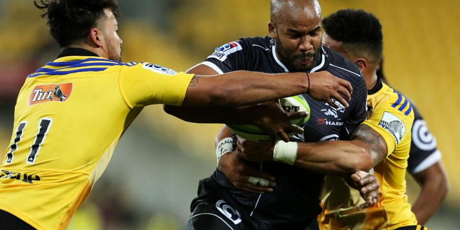 Hurricanes beat Sharks in tight tussle