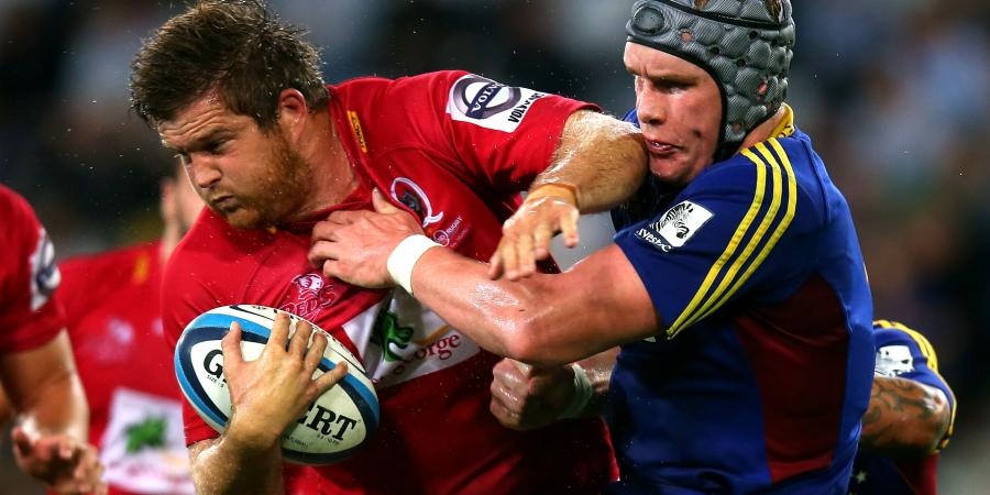 Reds retain in-form rugby veteran Holmes