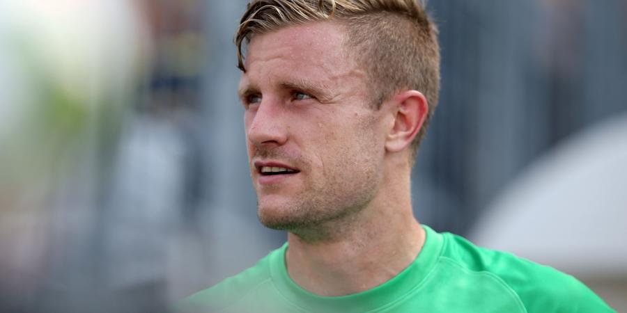Popovic brings Redmayne to Wanderers