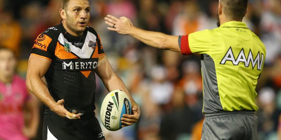 Farah in doubt for Origin decider