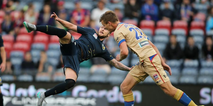 Jets, Mariners grind out A-League draw