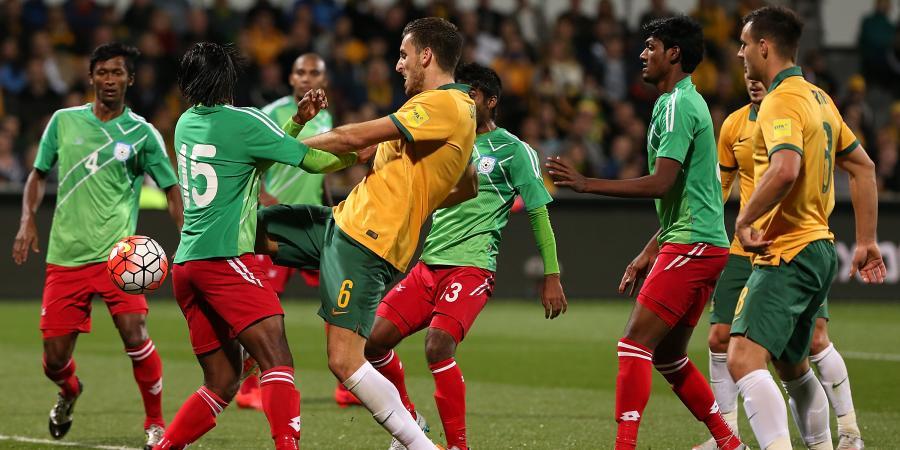 Socceroos must 'be pros' in Dhaka