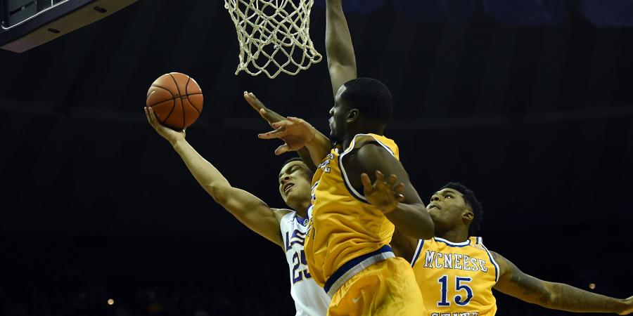 Ben Simmons stars for LSU