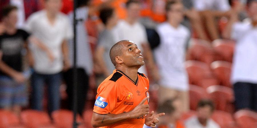 Henrique roars again to seal City draw