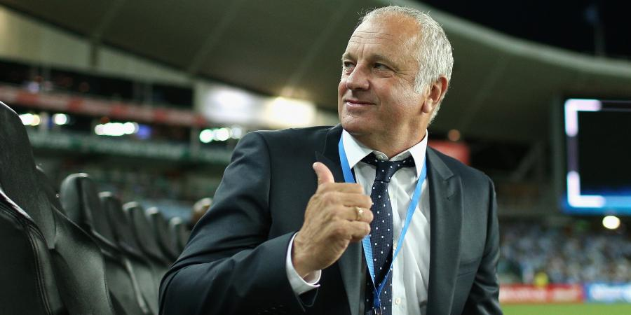 Arnold praises Sydney FC and O'Neill