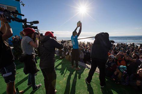 Gabriel Medina and Tyler Wright win Quik Roxy Pro France