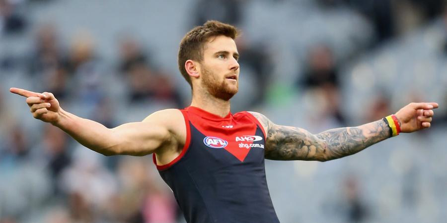 Howe joins Magpies in four-club AFL deal