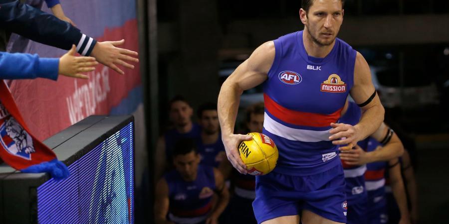 Boyd, Morris stay AFL Bulldogs in 2016