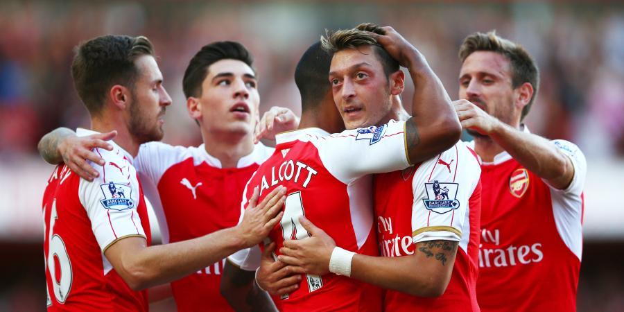 Arsenal 2-0 Stoke City: Theo Walcott and Olivier Giroud score as Gunners cruise to Victory
