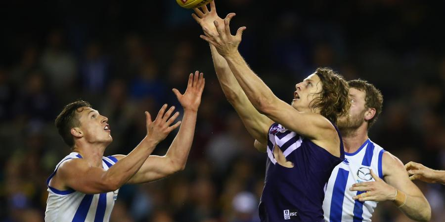 Fyfe to have surgery for fractured leg