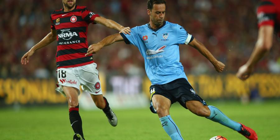 Brosque poised to sign new Sydney FC deal