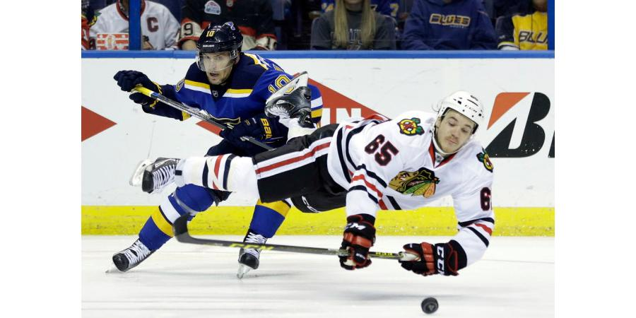Blackhawks face long summer, Blues no longer playoff failures