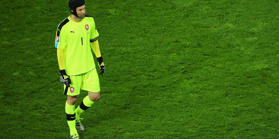 Cech trusts Wenger on Arsenal players