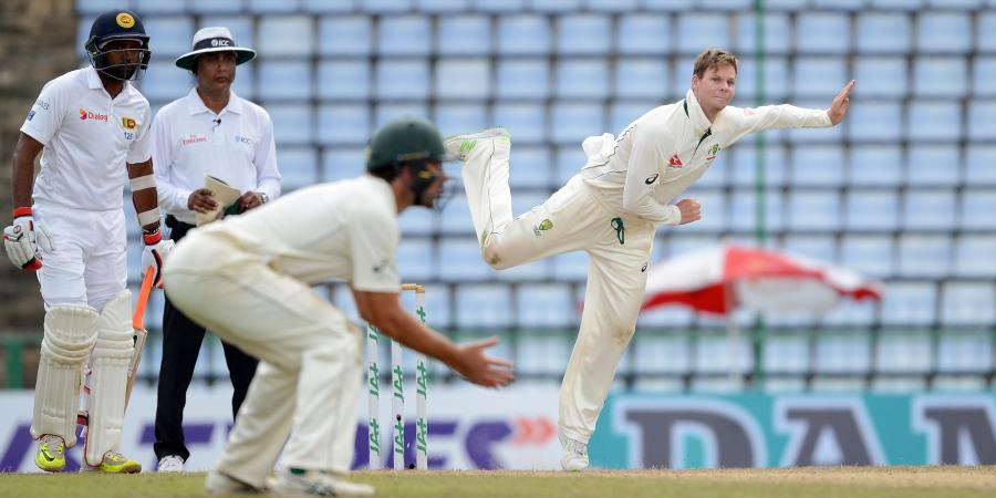 Aussie bowlers too loose: Smith