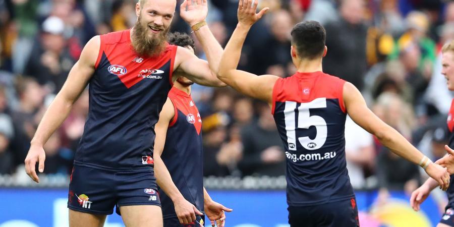 Hawks lose, premiership race tightens