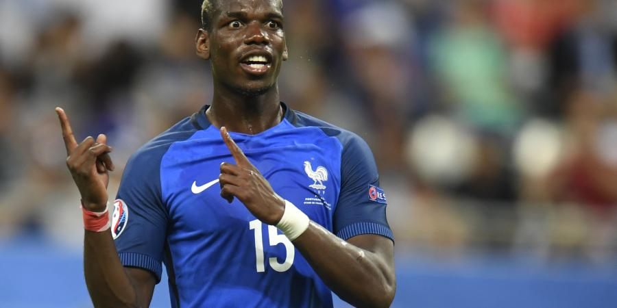 CONFIRMED: French star signs at Man United