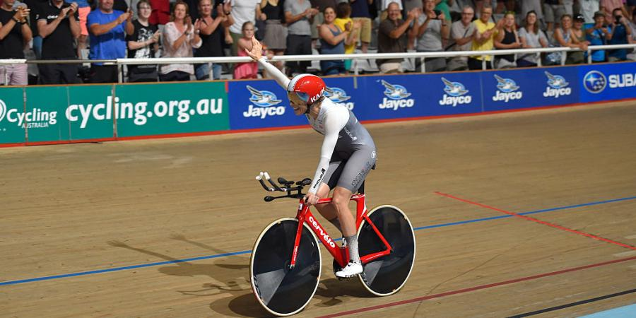 O'Donnell breaks cycling world record