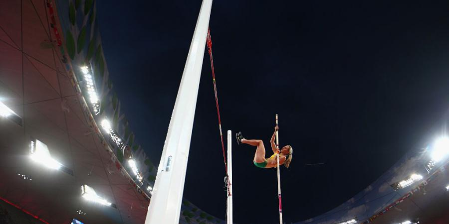 Boyd breaks national pole vault record