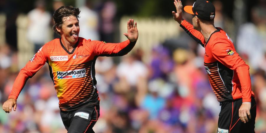 Langer shocked by Hogg's BBL move