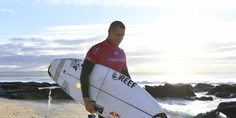 Fanning reaches J-Bay surf quarters
