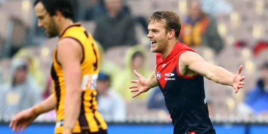 Jack Watts signs new deal with Dees