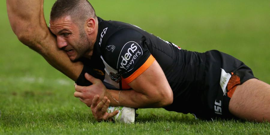 Farah must fight for place: Daley