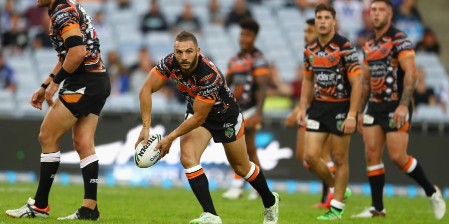 Farah could be benched: Taylor