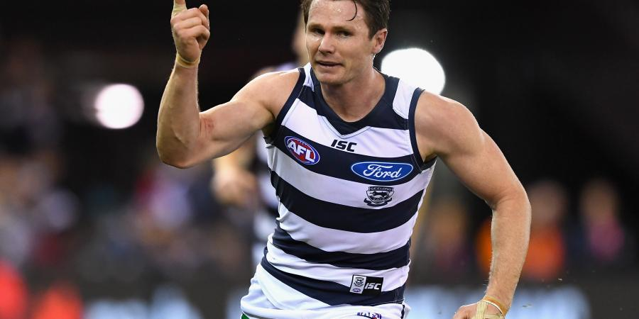 Dangerfield puts on an AFL show