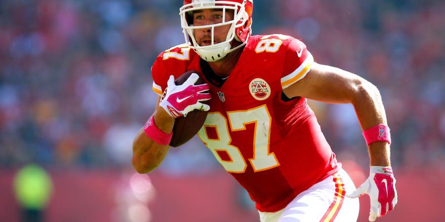 NFL: Is Travis Kelce the Next Rob Gronkowski?