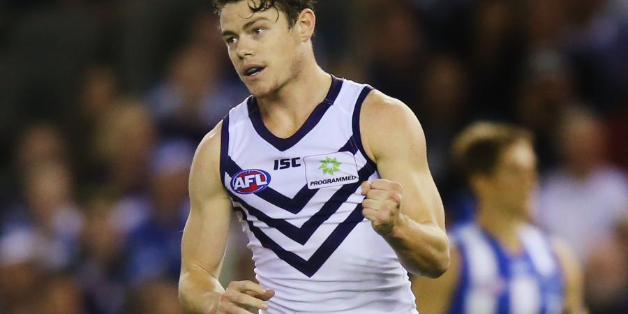 Neale signs new deal with Dockers