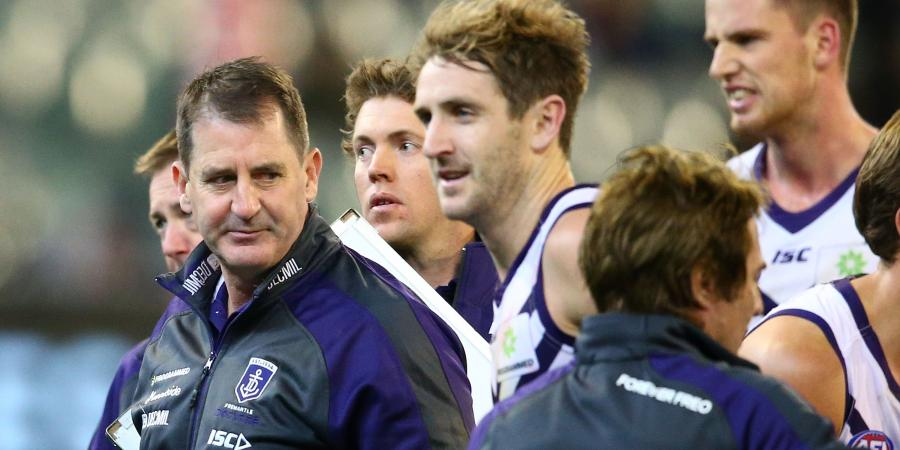 Lyon blasts Dockers after loss