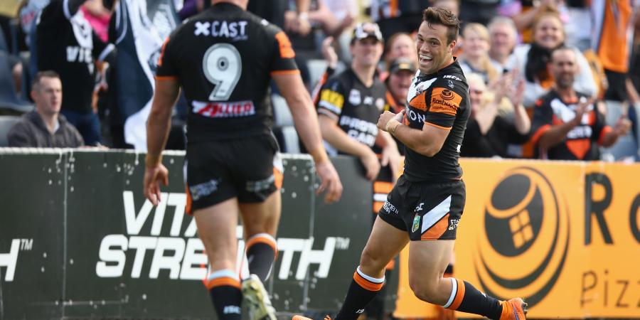 Brooks defends partnership with Farah