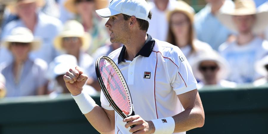 Isner inflicts mental blow to Groth