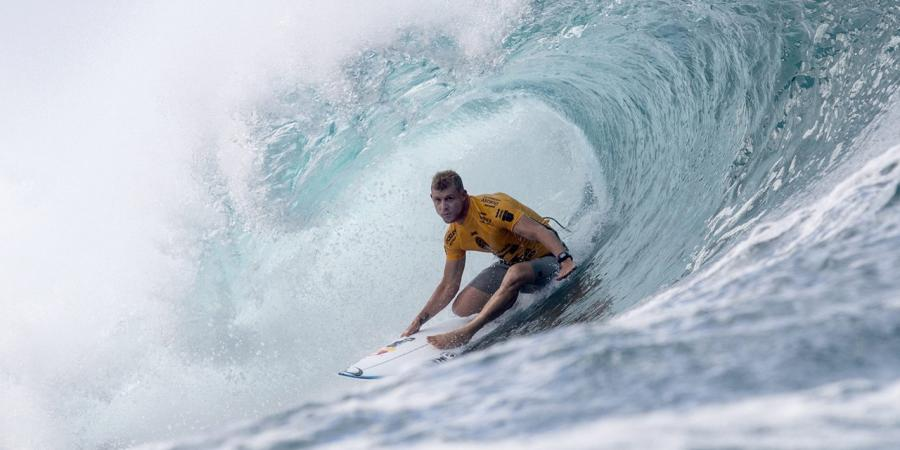 Fanning chasing fifth Bells surfing win