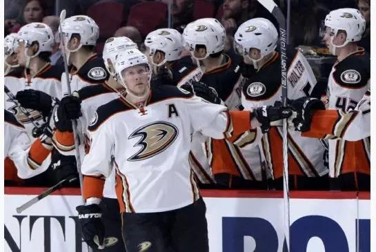 Ducks clinch playoff berth, Maple Leafs will be better next year