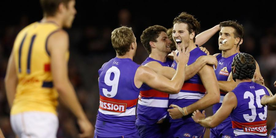 Bulldogs hold off Crows in epic