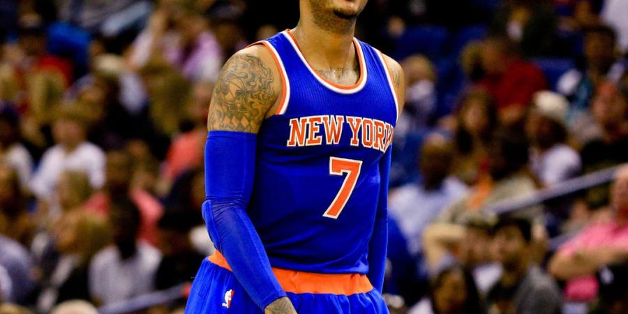 Carmelo doesn't plan to waive no-trade clause: 'You'll see me here'
