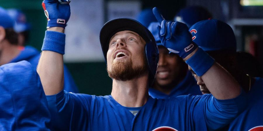 Watch: Zobrist tries to catch Rodney's invisible arrow