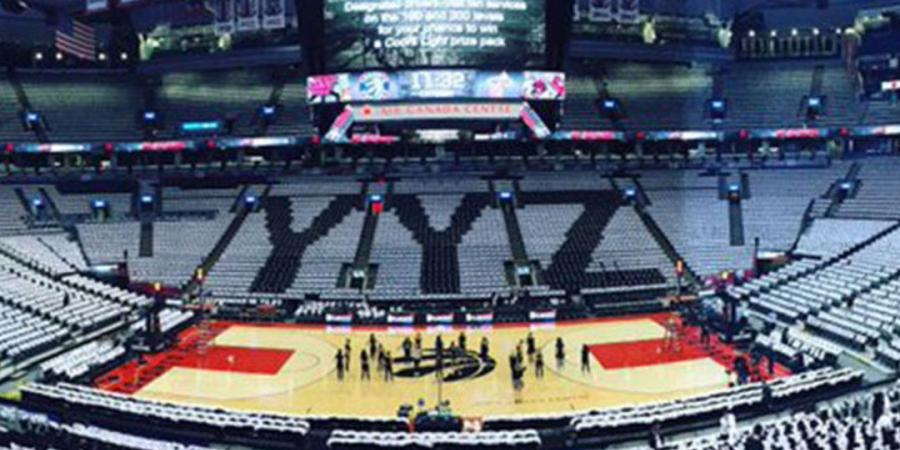 Raptors create 'YYZ' design in Game 5 crowd