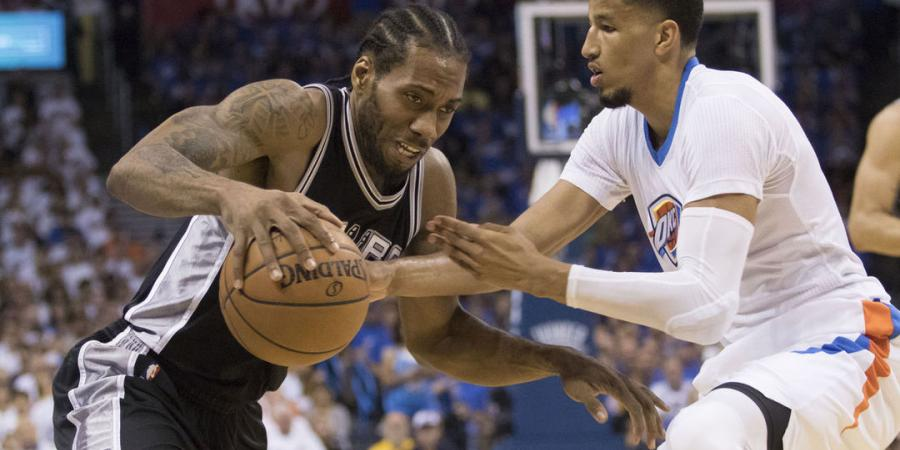 Watch: Roberson out-hustles Leonard for loose ball