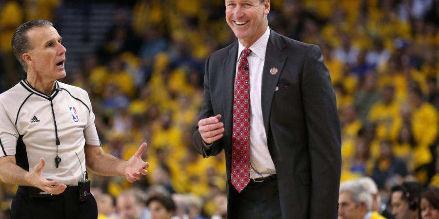 Report: Blazers exploring contract extension with Stotts